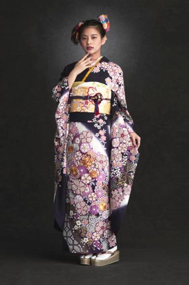 正絹 手絞り刺繍【26.4万円OFF価格で掲載中】